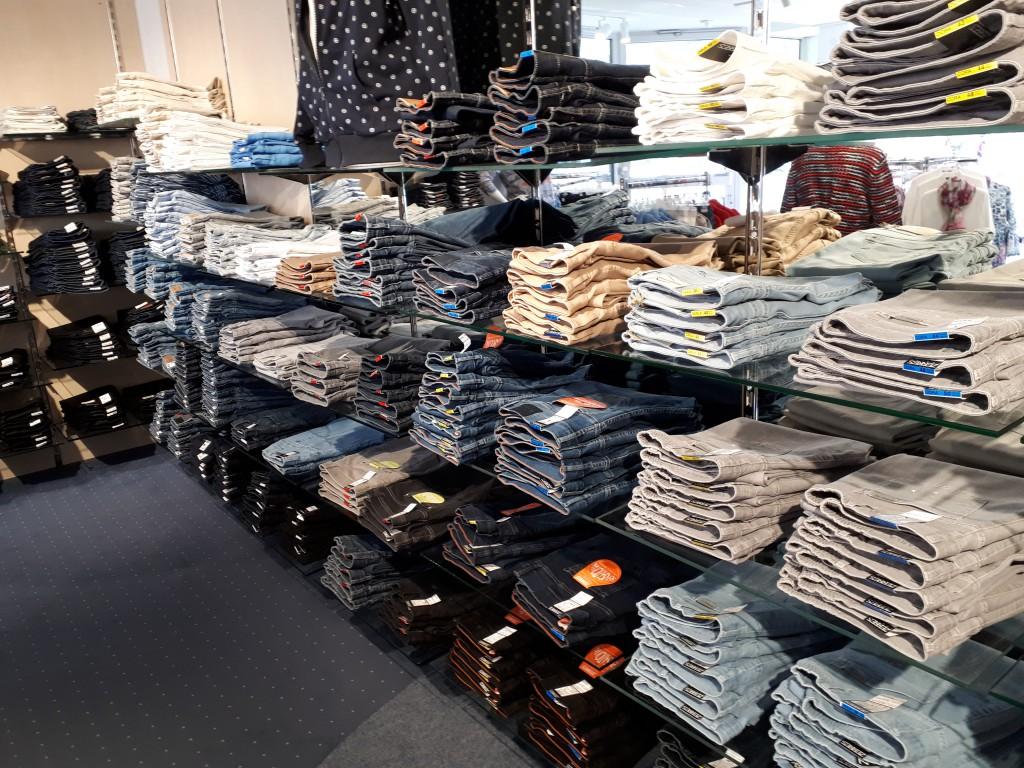 Jeans in Wolfhagen bei Bernhardt Moden
